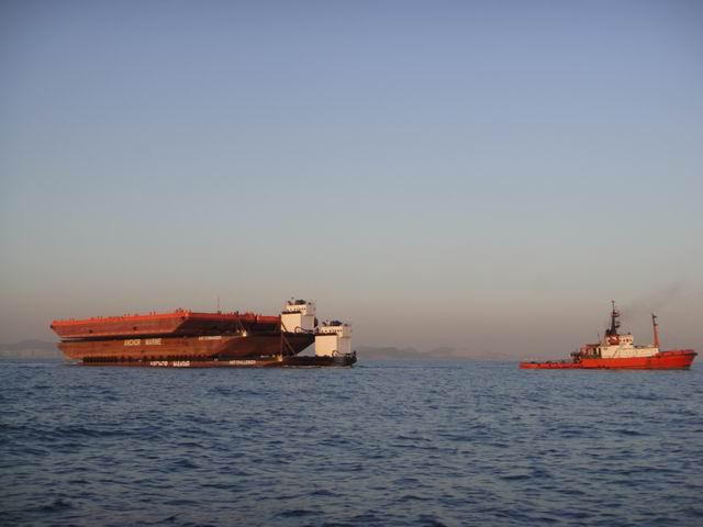 """条驳船出港"""" 大连港引航站实现引航业务领域新拓展"""